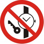 P27 Запрещается иметь при (на) себе металлические предметы (часы и т.п.)